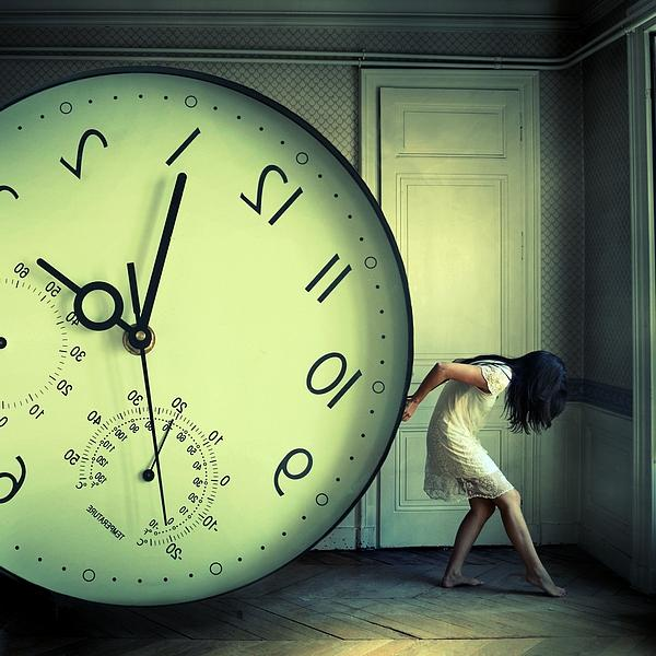 the-weight-of-time_by_Julie-de-Waroquier600_600
